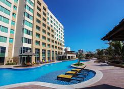 豪华马雷洛酒店 - 福塔莱萨 - 游泳池