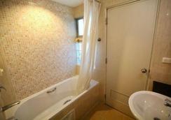 茜茜里度假酒店 - 曼谷 - 浴室