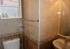 Claridge's - 芒通 - 浴室