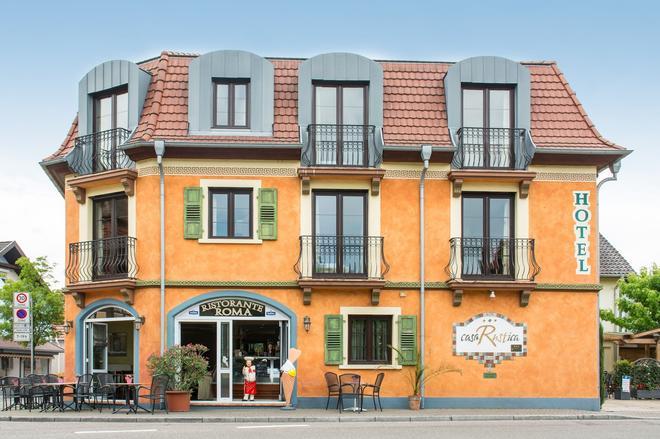 卡萨鲁斯提卡酒店 - 拉斯特 - 建筑