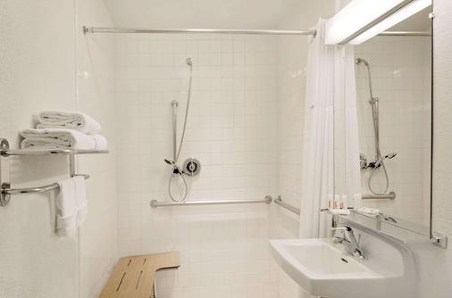 多皮卡那豪生酒店 - 拉斯维加斯 - 浴室