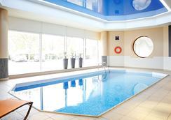 诺富特酒店-谢菲尔德中心 - 谢菲尔德 - 游泳池