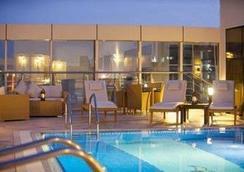 皇家里维埃拉酒店 - 多哈 - 游泳池