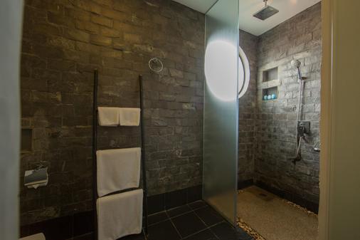 中央套房酒店 - 暹粒 - 浴室