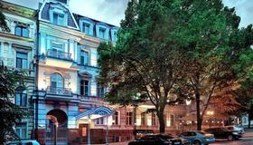 陆地商务酒店 - 敖德萨 - 建筑