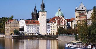 宜必思普拉哈文策斯劳斯广场酒店 - 布拉格 - 户外景观