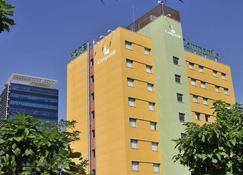 马德里阿尔卡拉·德·埃纳雷斯康铂酒店 - 埃纳雷斯堡 - 建筑
