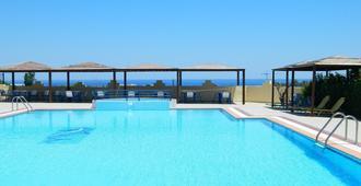 特尔希尼斯酒店 - 法里拉基 - 游泳池