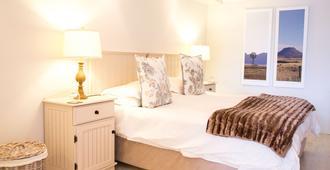 四棕榈树住宿 - 开普敦 - 睡房