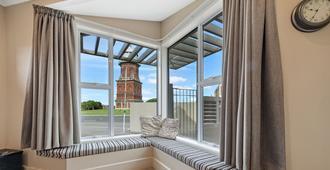 新西兰塔楼汽车旅店 - 因弗卡吉尔 - 阳台