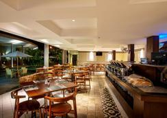 新绿翡翠仙图市酒店 - 茂物 - 餐馆