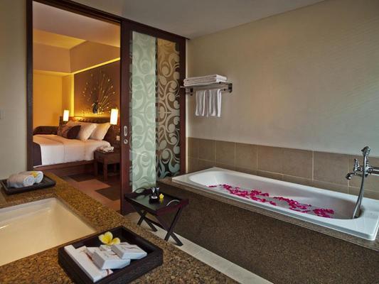 太阳岛大酒店库塔 - 库塔 - 浴室