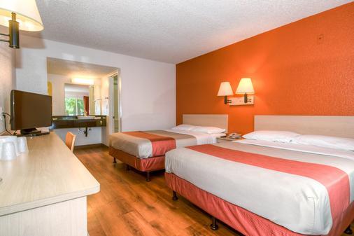 科斯塔梅萨6号汽车旅馆 - 科斯塔梅萨 - 睡房