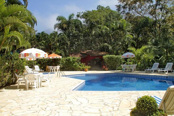 佩达马塔旅馆 - 马尔塞尔 - 游泳池