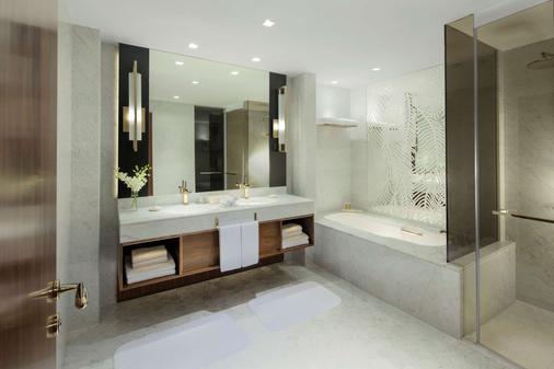 迪拜君悦酒店 - 迪拜 - 浴室