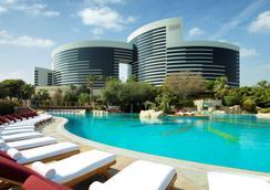 迪拜君悦酒店 - 迪拜 - 游泳池