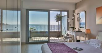 昂蒂布皇家沙滩及Spa酒店 - 安提伯 - 睡房