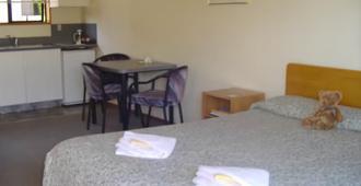 贝沃奇汽车旅馆旅舍 - 提马鲁 - 睡房