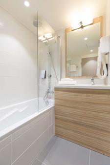 梅茨中心站钟楼酒店 - 梅斯 - 浴室