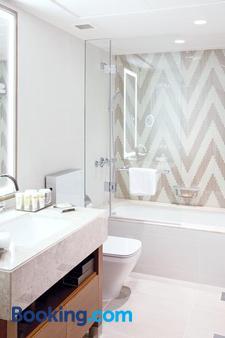 迪拜市中心铂尔曼居所酒店 - 迪拜 - 浴室