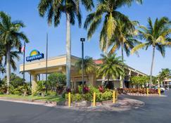 佛罗里达州戴斯酒店 - 佛罗里达城 - 建筑
