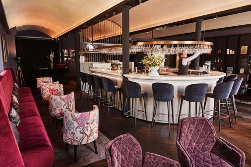 施泰根博阁度假酒店 - 康斯坦茨 - 酒吧