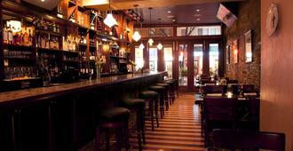 布里克套房酒店 - 波士顿 - 酒吧