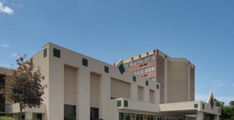 罗德威酒店 - 沙石镇