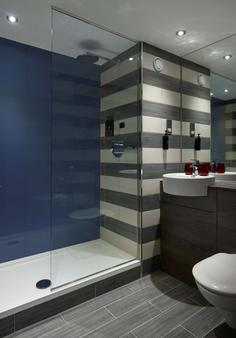 爱丁堡城市村庄度假酒店 - 爱丁堡 - 浴室