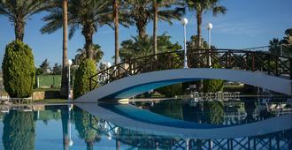 芦荟酒店 - 帕福斯 - 游泳池