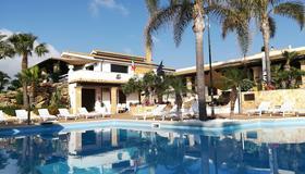 卡罗度假村别墅 - 马尔萨拉 - 游泳池