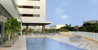 草原之星酒店 - 巴兰基亚 - 游泳池