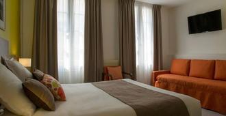 昂布瓦斯沙普塔洛吉斯餐厅酒店 - 阿姆博斯 - 睡房