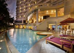 納閩帝盛君豪飯店 - 纳闽岛(拉布安岛) - 游泳池