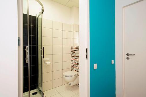 交通大酒店 - 波兹南 - 浴室