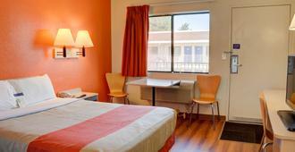 奥勒冈塞勒姆 6 号汽车旅馆 - 塞勒姆 - 睡房