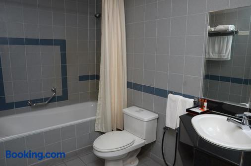 枫叶套房酒店 - 吉隆坡 - 浴室