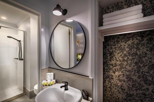 柯林斯蝙蝠侠山品质酒店 - 墨尔本 - 浴室