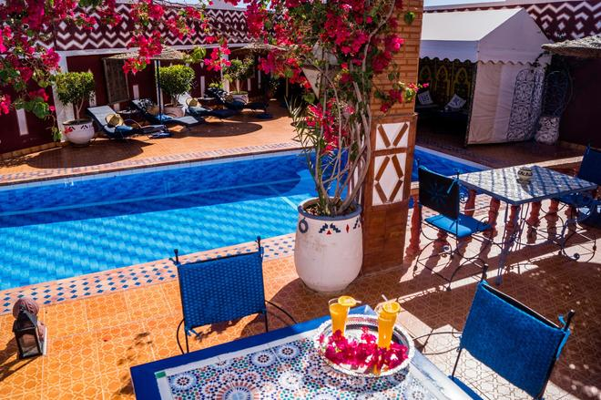 里佩蒂特里亚德酒店 - 瓦尔扎扎特 - 游泳池
