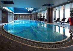 横滨湾东急酒店 - 横滨 - 游泳池