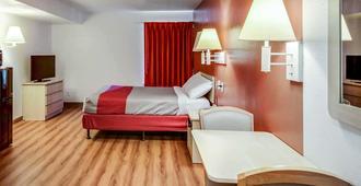 格林斯伯勒机场6汽车旅馆 - 格林斯伯勒 - 睡房