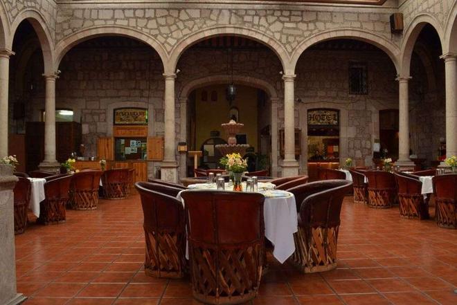卡勒里拉莫雷利亚豪生国际酒店 - 莫雷利亚 - 餐馆