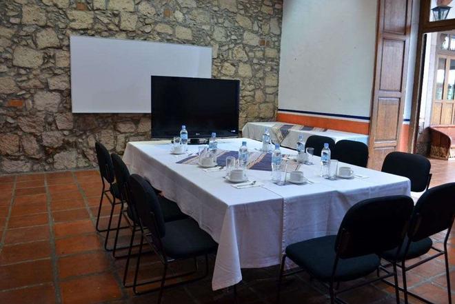 卡勒里拉莫雷利亚豪生国际酒店 - 莫雷利亚 - 会议室