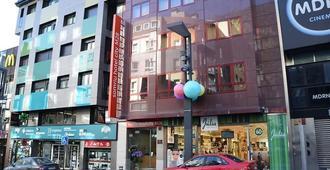 索米里乌 M28 城市饭店 - 安道尔城 - 建筑