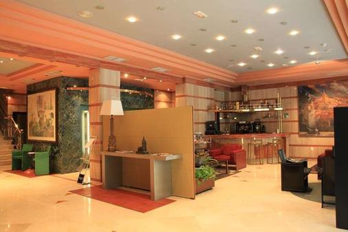 德城奥维多酒店 - 奥维多 - 酒吧