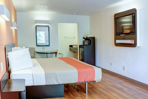 比舍普6号汽车旅馆 - 毕夏普 - 睡房