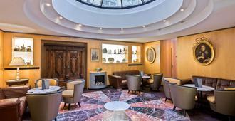 大都会贝斯特韦斯特优质酒店酒店 - 斯特拉斯堡 - 休息厅