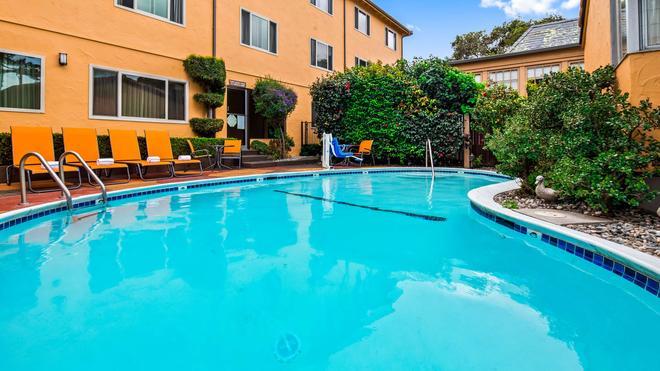 西佳卡梅尔市镇小屋酒店 - 卡梅尔海 - 游泳池