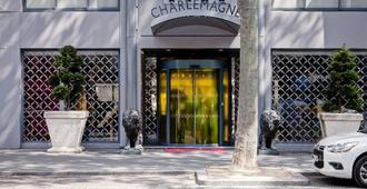 贝斯特韦斯特查尔勒玛尼酒店 - 里昂 - 户外景观