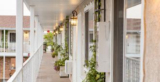 小木屋汽车旅馆 - 圣乔治 - 阳台